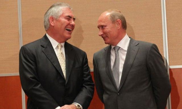 Rex Tillerson, scelto da Donald Tump come segretario di Stato, ha stretti rapporti con il presidente russo Vladimir Putin.