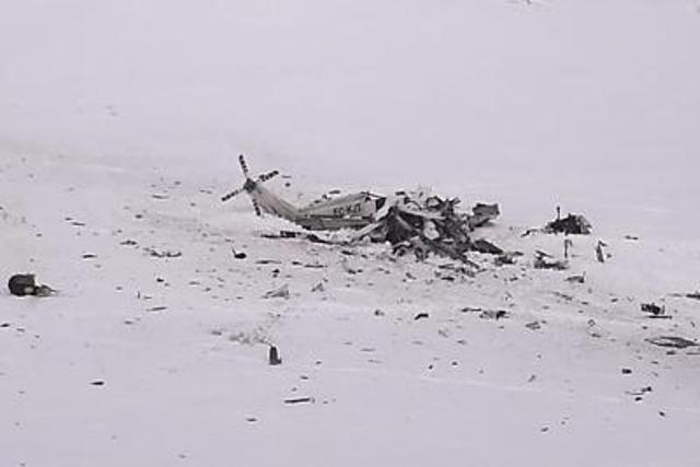 L'elicottero del 118 precipitato sulle montagne dell'Aquila (ph. Afp)