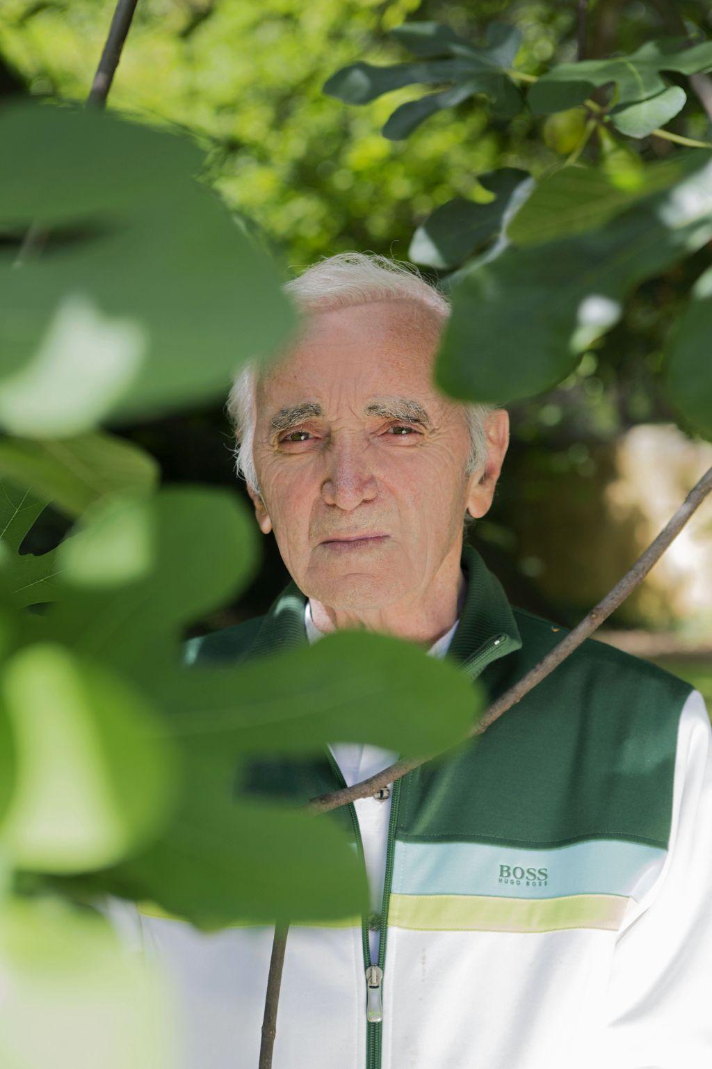 Charles Aznavour, lo chansonnier che ha scritto 1.200 canzoni, il 23 luglio all' Auditorium Parco della musica.