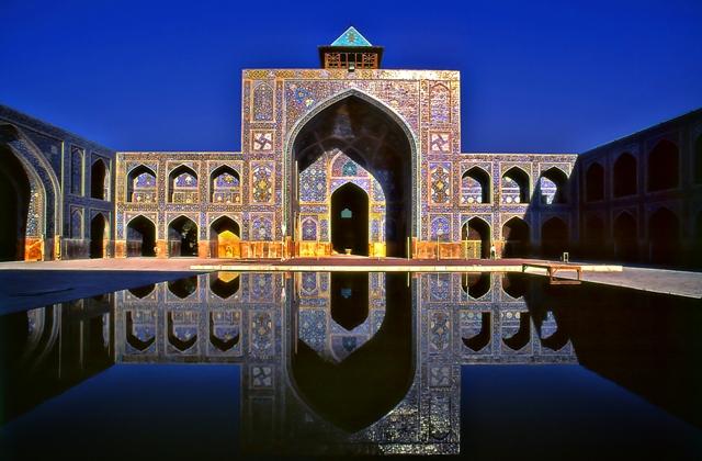 Sergio pessolano, Cortile interno della Moschea di Ishfan, iran. INGEGNERIA ELEVATOᵑ