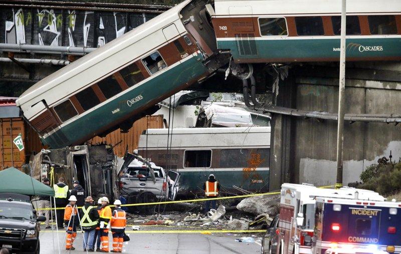Usa treno Amtrak deragliato Seattle