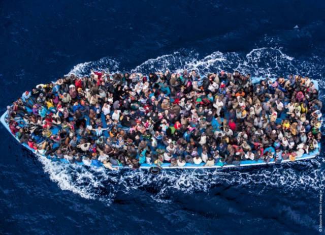 migranti clandestini accoglienza barconi criminalità