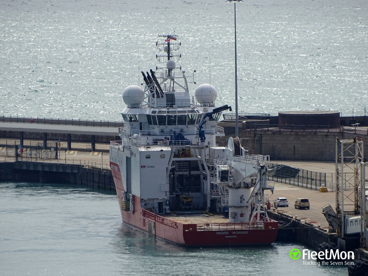 La nave NG Worker coprata dal gruppo Marnavi Next Geosolution (ph FleetMom).
