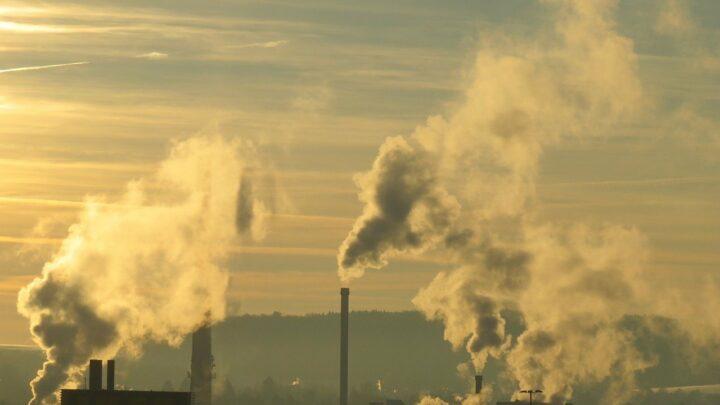 Gas di scarico effetto serra emissioni fumo